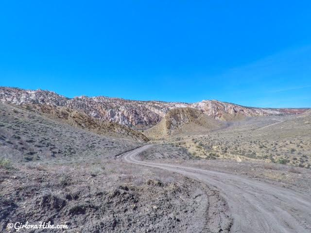 Hiking the Lower Hackberry Canyon Narrows, Cottonwood Road Scenic Byway, Grand Staircase-Escalante National Monument