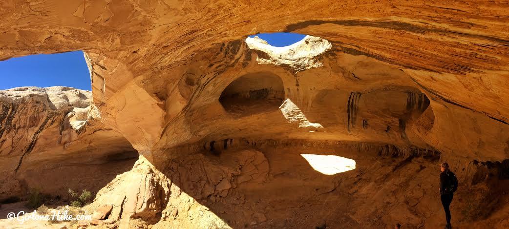 Hiking to Wild Horse Window Arch, San Rafael Swell, Uta